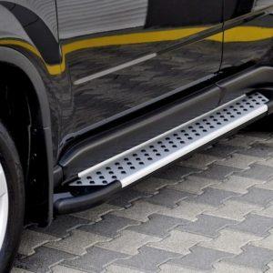 Opel Movano treeplanken